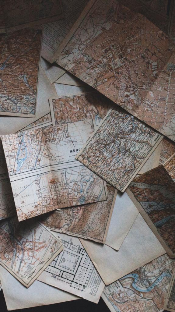 Photographie de vieilles cartes et vieux documents